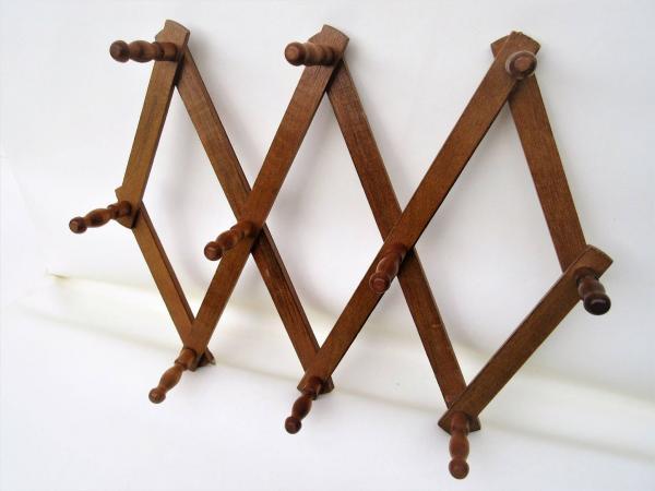 accordion hat rack