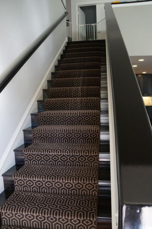 dark stair carpet