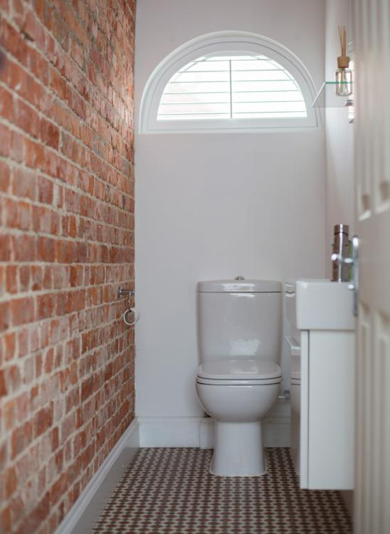 downstairs toilet decorating ideas
