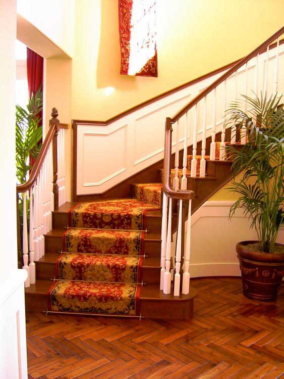 traditional stair carpet runners