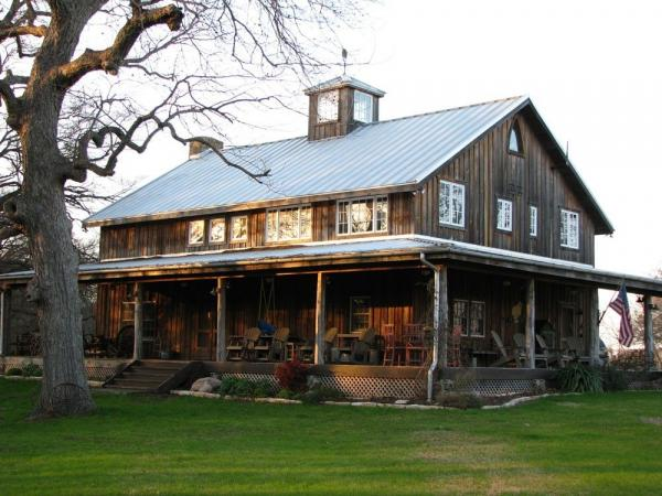 farmhouse barndominium design