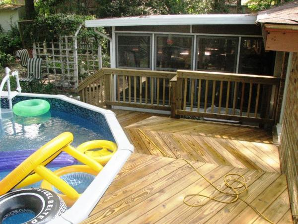 above ground pool deck shade