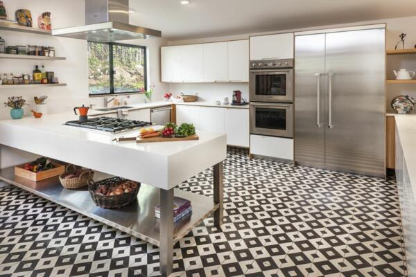 small scandinavian patteren kitchen tile floor
