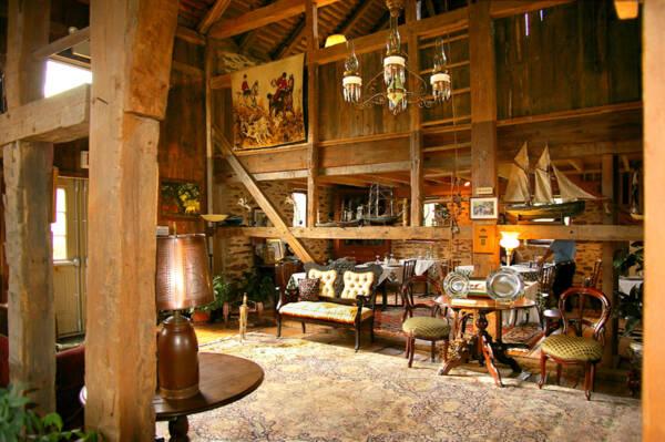 rustic barn conversion decorating ideas